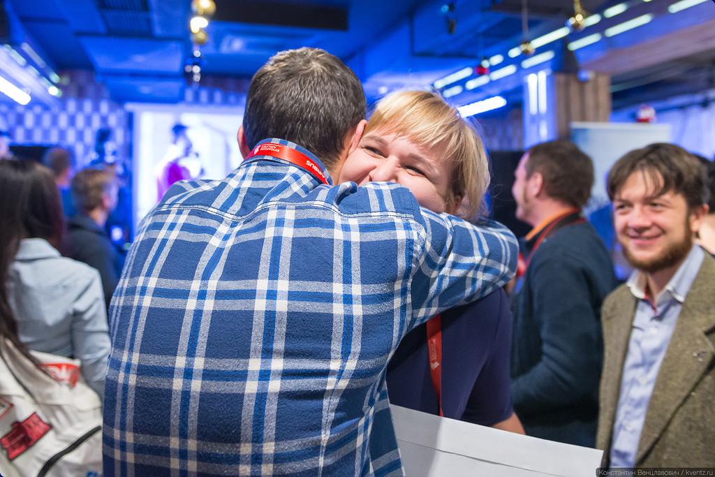 И очередной победитель нашего розыгрыша призов… Анна Никулина!