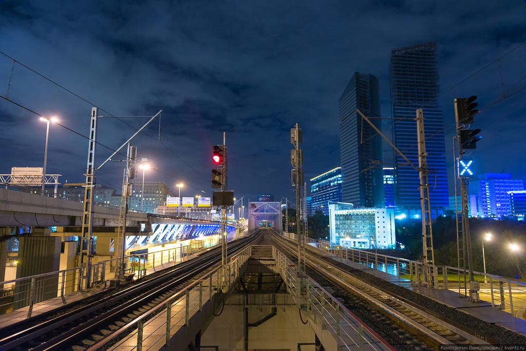 С платформы в Сити открывается прекрасный вид на урбанистический пейзаж