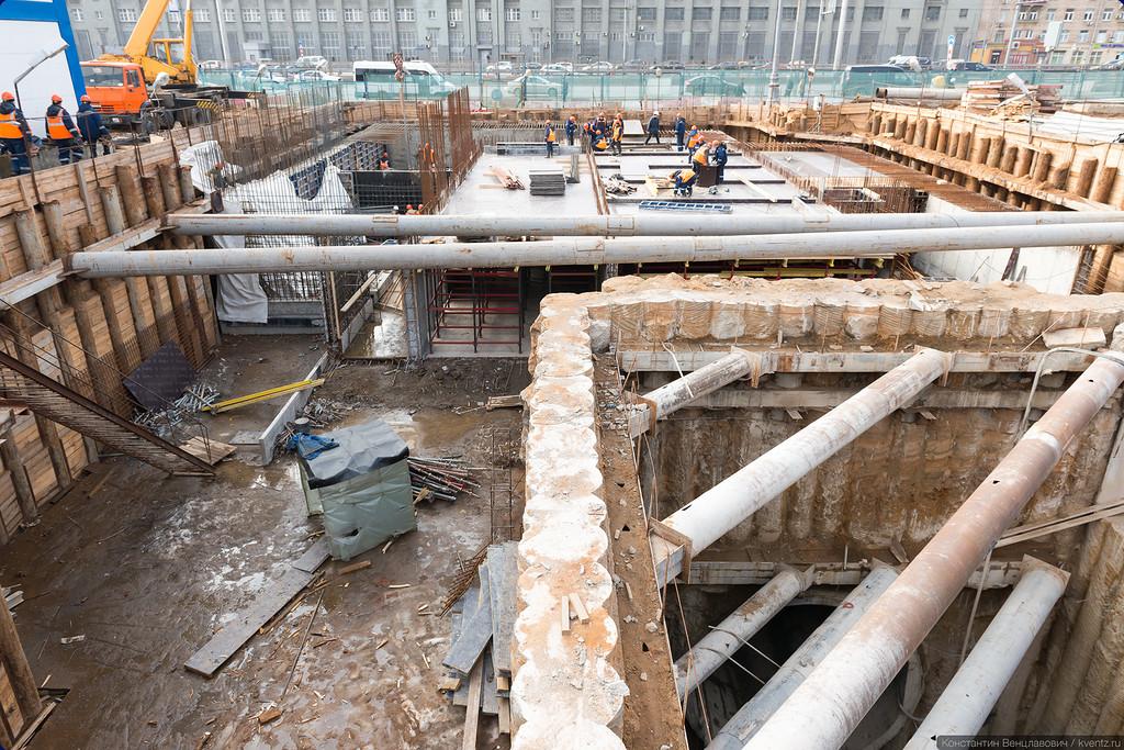 Проходка тоннелей велась закрытым способом, с помощью ТПМК (тоннелепроходческих механизированных комплексов)