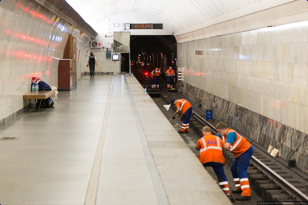 Работы по ремонту путей ведутся на всём протяжении закрытого участка