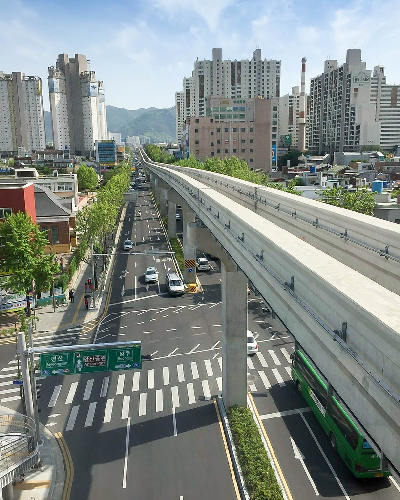 Вид на линию со станции
