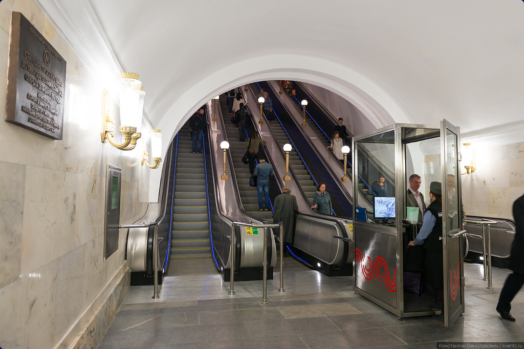 Четыре эскалатора вместо трёх