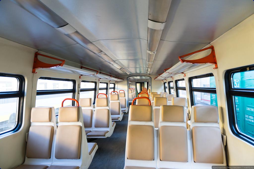 Салон РА-2 —предыдущего поколения дизель-поездов