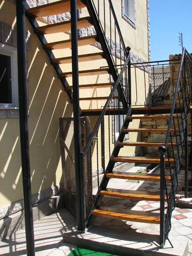 Лестница винтовая на второй этаж своими руками